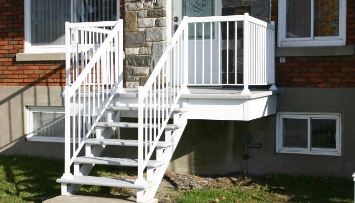 Pourquoi confier l'installation de votre balcon, de vos rampes ou de vos auvents à un professionnel?