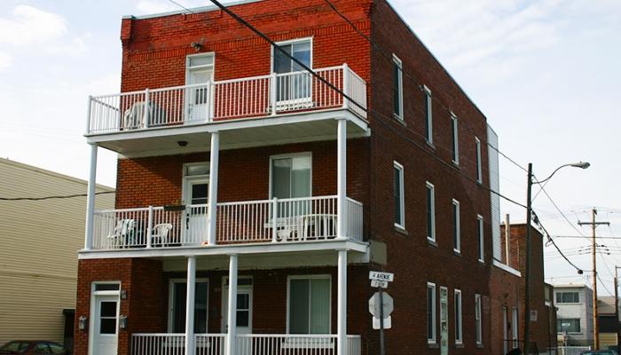 5 indices qu'il est temps de remplacer votre balcon