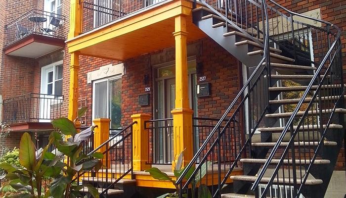 Pourquoi opter pour un escalier extérieur en aluminium soudé ?