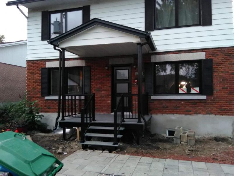 Petit balcon noir 2018