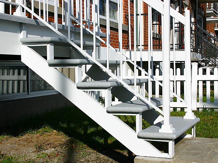 Mechanical aluminum staircase