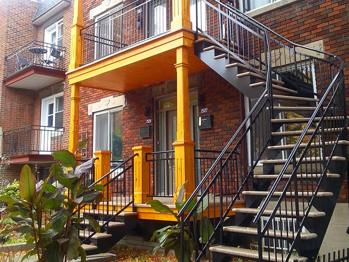 Escalier façade aluminium soudée